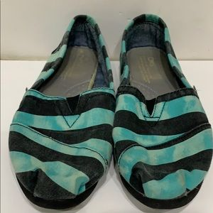 TOMS MULTICOLORED FLAT SHOES SIZE W7